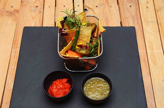 Crudite Mexican style med dip
