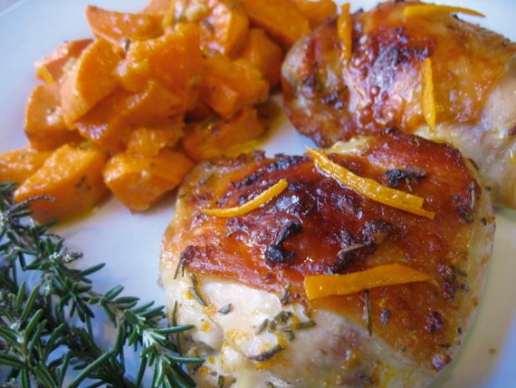 Jerk chicken / pork with spicy sweet potatoes and tropical salsa